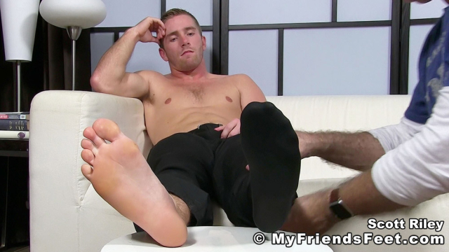 Scott Riley Has A New Foot Slave_10