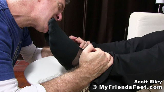 Scott Riley Has A New Foot Slave_04