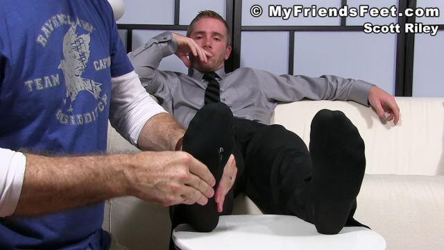 Scott Riley Has A New Foot Slave_01