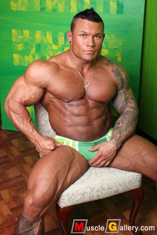 093 Marius Graatrud at MuscleGallery