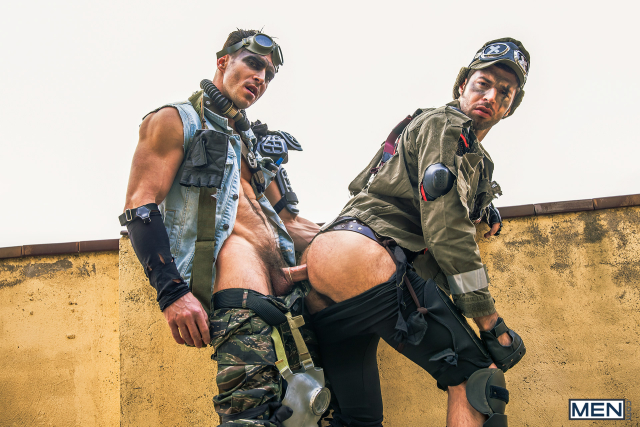 18 Dario Beck and Paddy O'Brian in Apocalypse Part 3