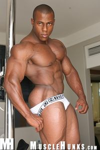 Orsoorfeo3_musclehunks_04