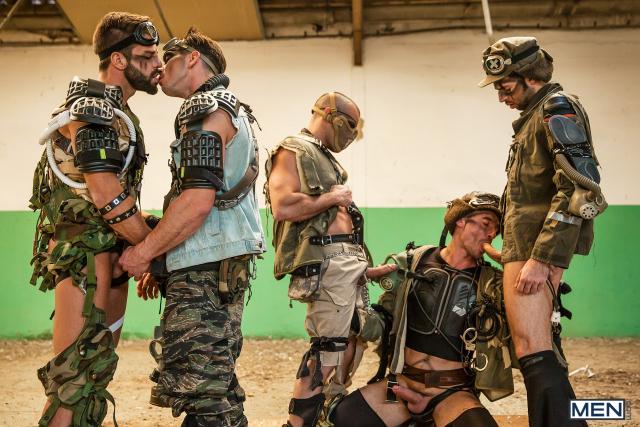 11 Damien Crosse, Dario Beck, Hector De Silva, Jay Roberts, and Paddy O'Brian in Apocalypse Part 4