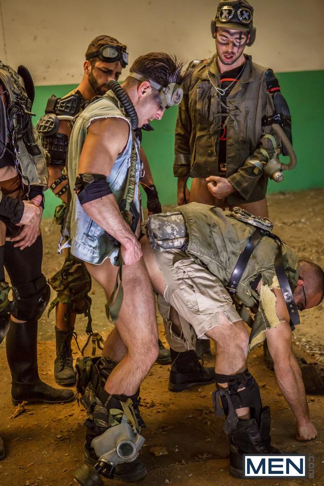 27 Damien Crosse, Dario Beck, Hector De Silva, Jay Roberts, and Paddy O'Brian in Apocalypse Part 4