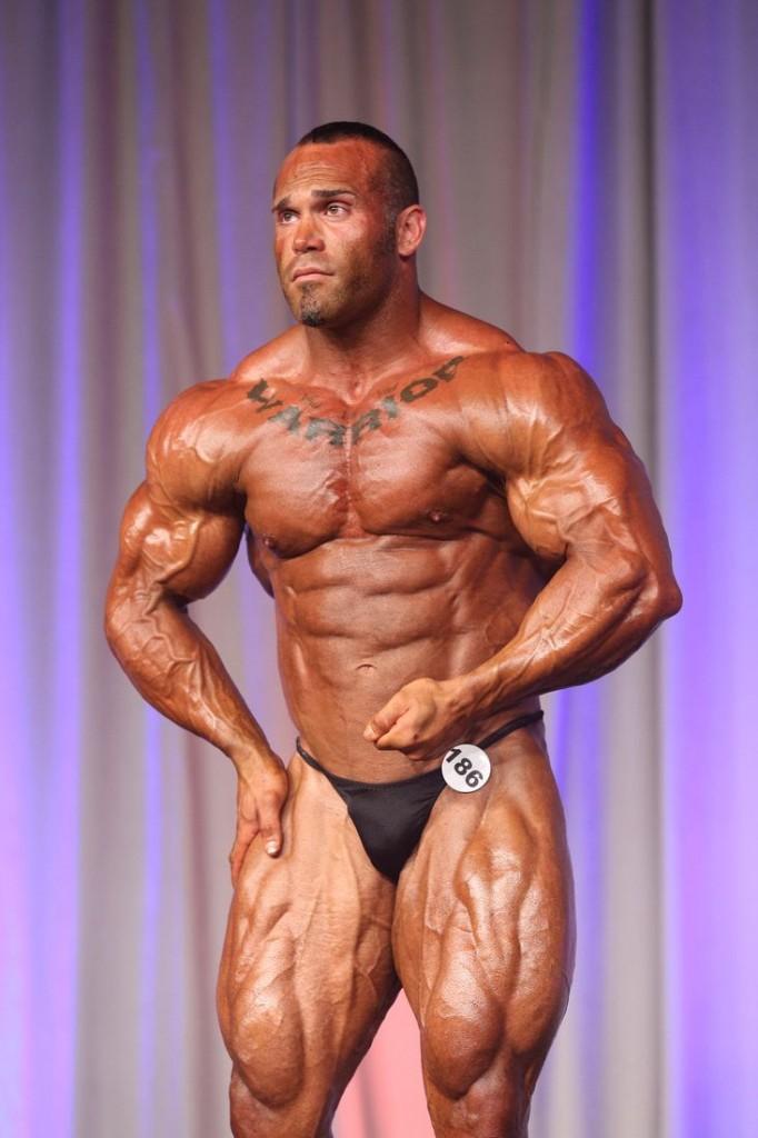 Ruben-Esobar-186-Winner-Mens-Bodybuilding-Heavy-Weight-848x1