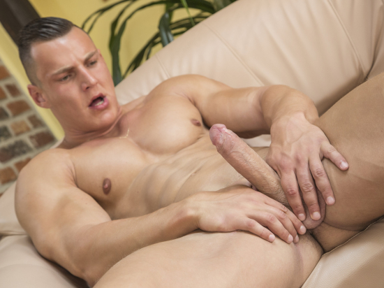 Luke-ward-and-andy-west-are-straight-body-builders-that-love-to-fuck-raw_015