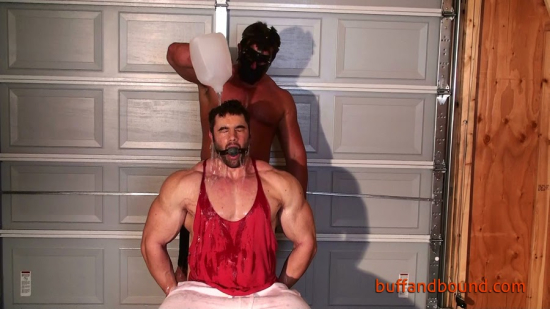 BigMaxChairBoundandStripped_002