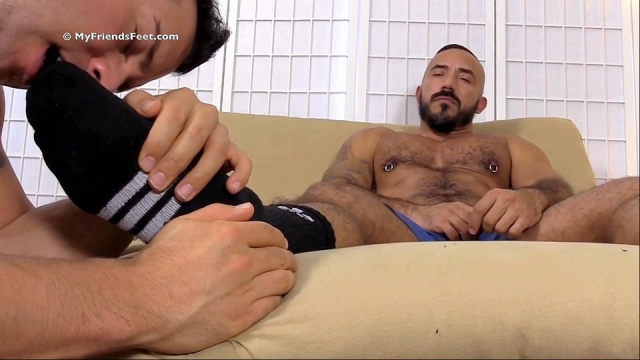 Derrick-alessio-foot-sex-3