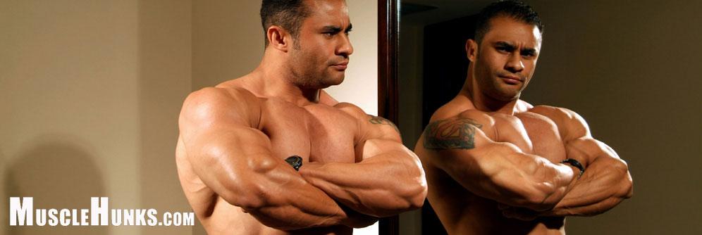 MuscleHunks Alejandro Vega