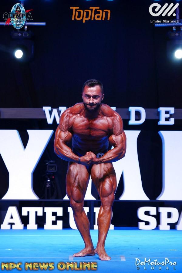 Bodybuilder Beautiful: Chris Bortone