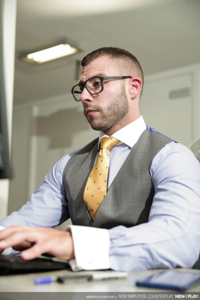 MENATPLAY_New_Employee_Counterplay_6