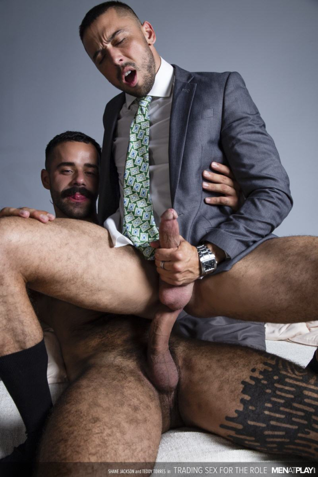 MENATPLAY_TRADING_SEX_FOR_THE_ROLE_23