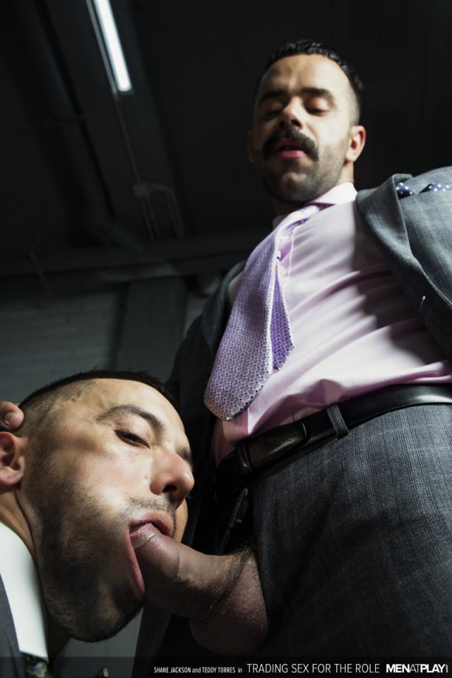 MENATPLAY_TRADING_SEX_FOR_THE_ROLE_7