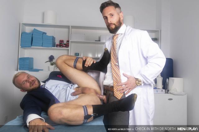 MENATPLAY_CheckIn_With_Dr_North_22