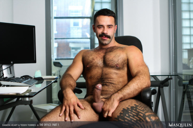MASQULIN_The_Office_Part_1_14