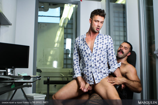 MASQULIN_The_Office_Part_1_15