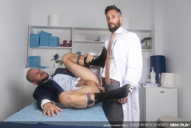 MENATPLAY_CheckIn_With_Dr_North_23