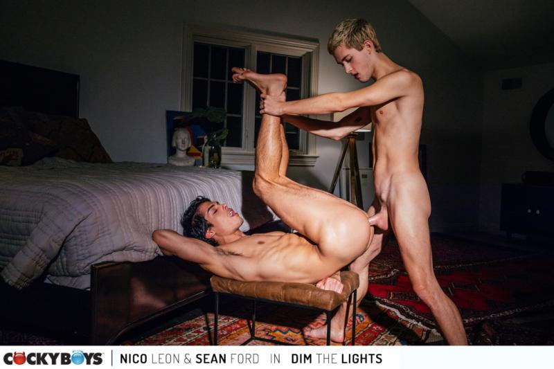 Dim the lights- nico leon-sean ford-359