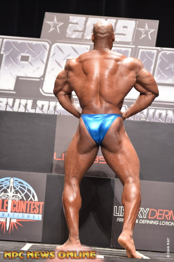 Bodybuilder Beautiful Profiles - Hank Warren