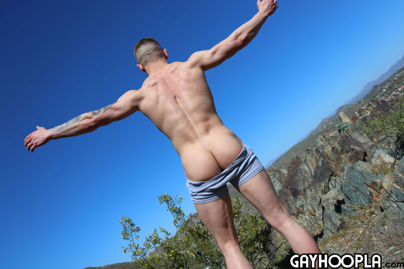 15940561942020-08-10-young-bodybuilder-jerks-off3