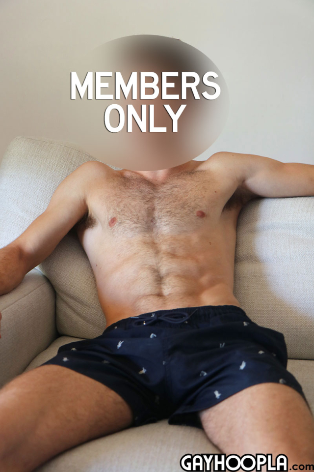 15905153392020-07-06-hairy-young-guy-4