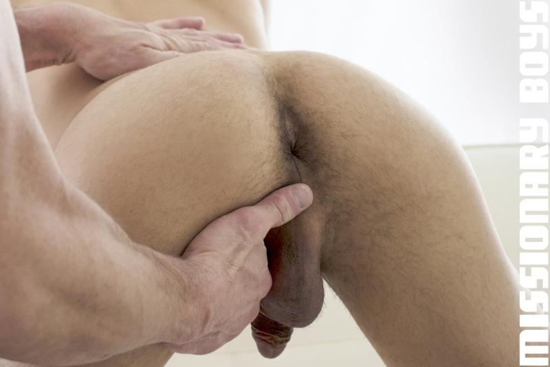190203_mbz_06-missionaryboys-gay-daddy-son-sex_pic08