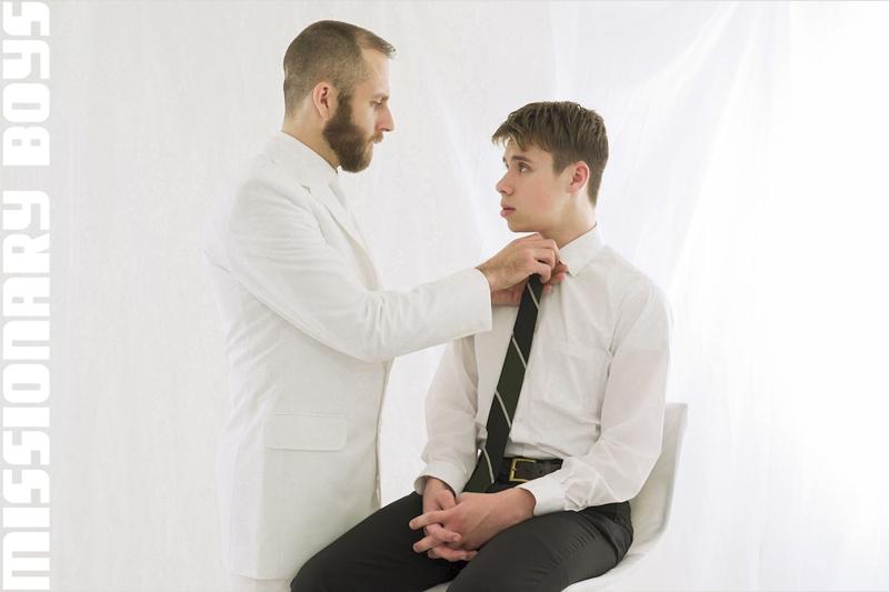 190202_mbz_05-missionaryboys-gay-daddy-son-sex_pic03