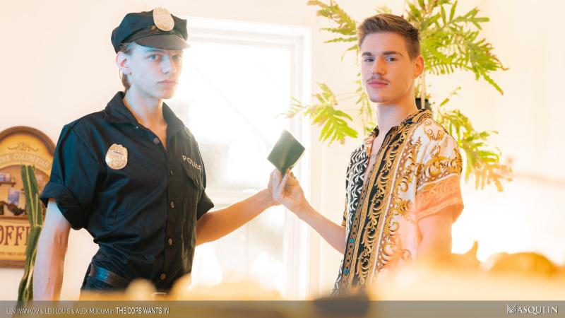 MASQULIN_The_Cops_Wants_In_10