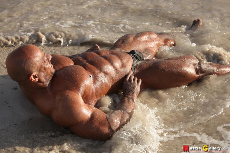 MuscleGallery Sami Al-haddad in Miami Beach