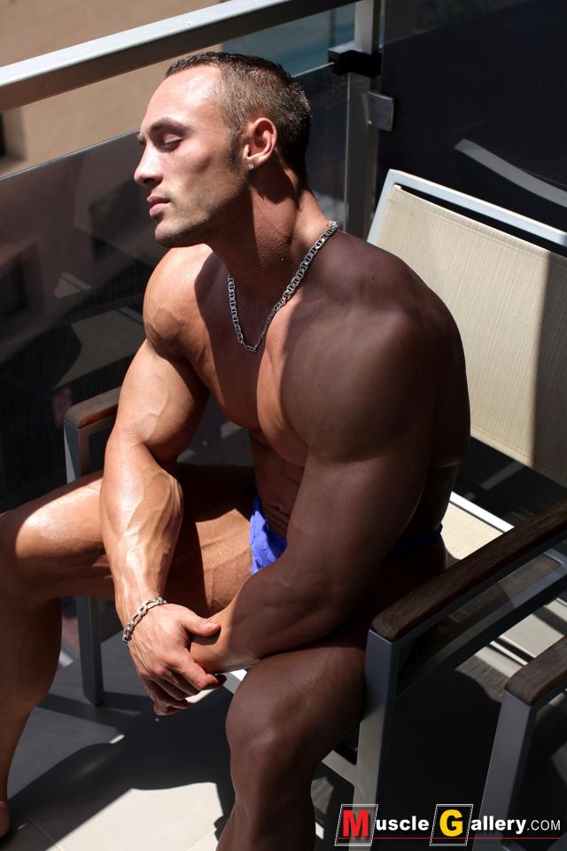 MuscleGallery Ludovic Bogaert French MuscleGod