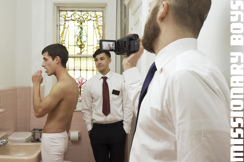 190203_mbz_09-missionaryboys-gay-daddy-son-sex_pic01