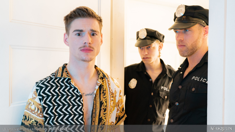 MASQULIN_The_Cops_Wants_In_09