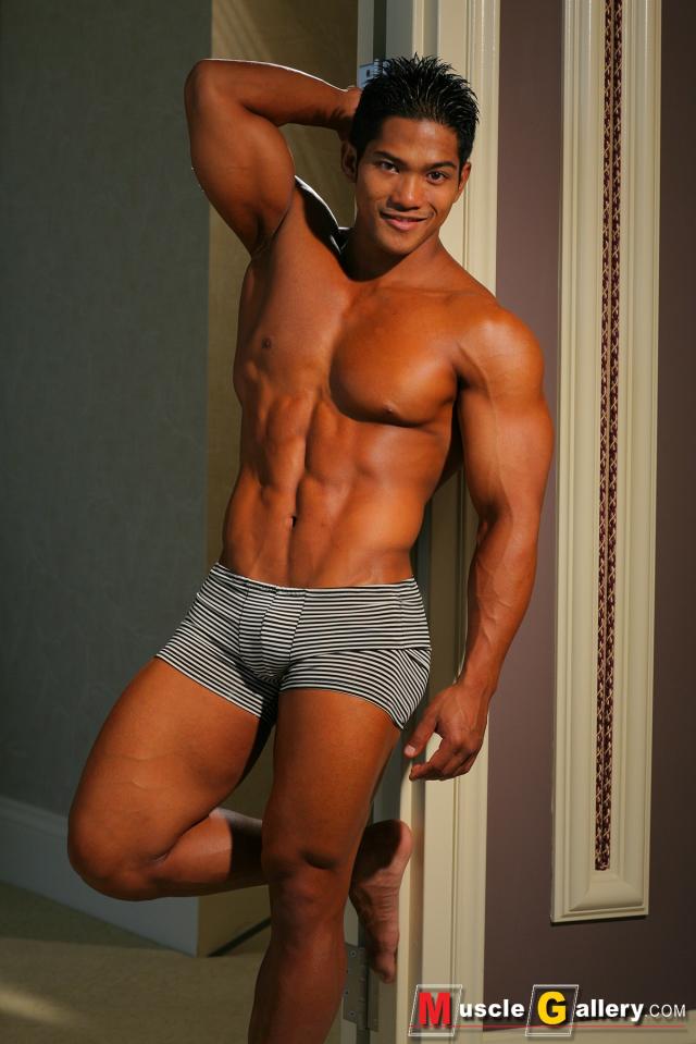 Muscle Gallery Alvin Viernes Hawaiian Muscle Model