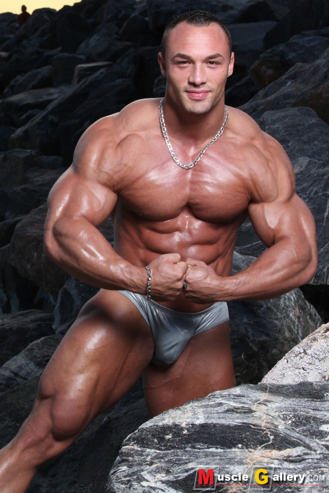 MuscleGallery MuscleGod Ludovic Bogaert in South Beach