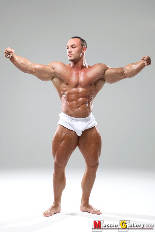MuscleGallery Ludovic Bogaert Photo Shoot